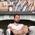Γιάννης Ρούσσος: «Η κωμωδία είναι μία τέχνη και πιστεύω πως η τέχνη οφείλει να προβληματίζει»